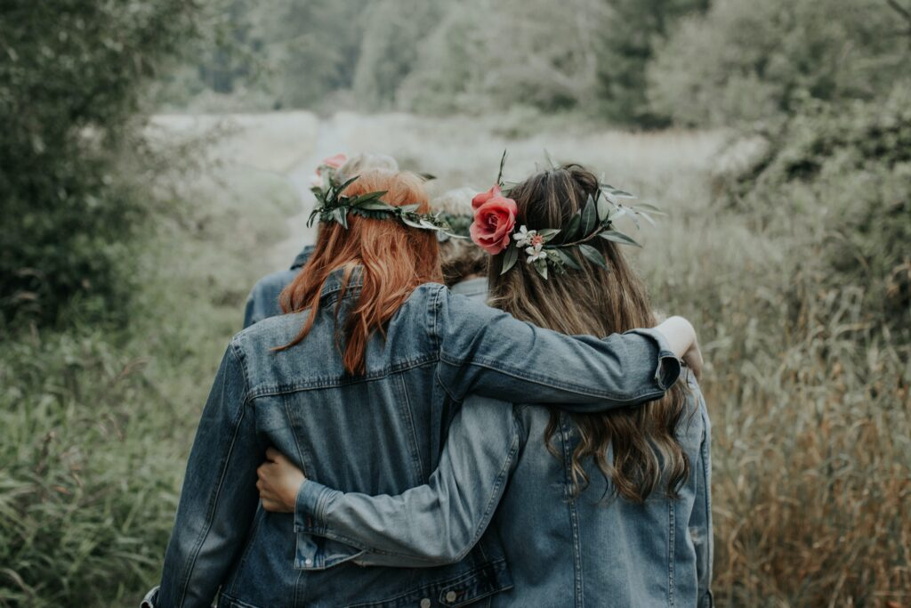 Imagem de duas mulheres amiga
